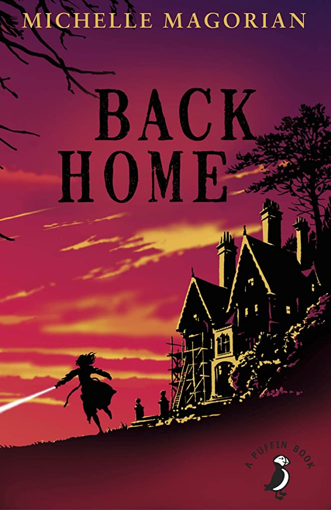 傑出した硬いのぞき穴Back Home (A Puffin Book) (English Edition)
