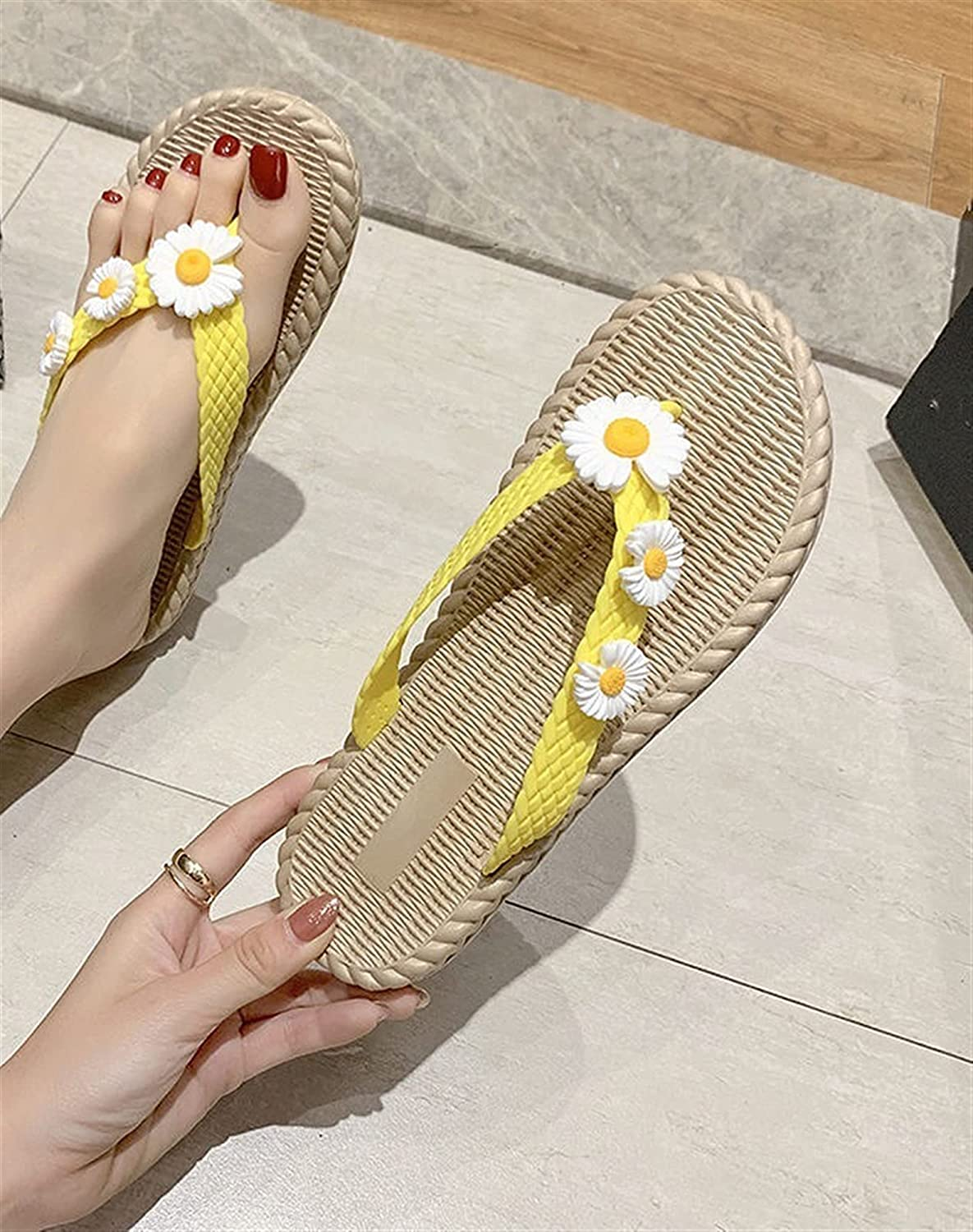 Yuncheng Women's Daisy Strap Print Flip Flops Open Toe Thong Slide Slippers Summer Casual Slippers (Color : Yellow, Shoe Size : 6.5)