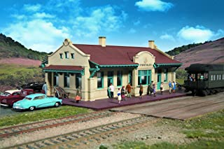 Walthers Cornerstone Series Kit HO Scale Mission-Style Depot