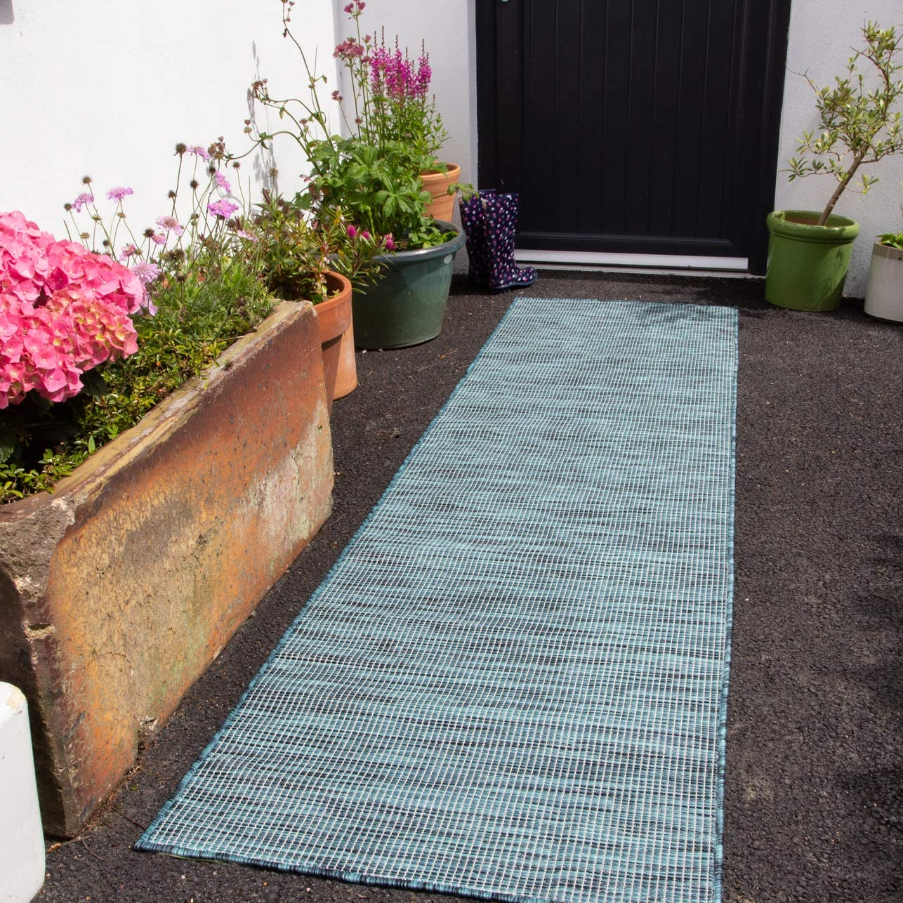 Durable Outdoor Blue Flatweave Patio Rug Plastic Blue Textured Garden Weather Resistent Picnic Area Rugs 68cm X 240cm Amazon Co Uk Kitchen Home