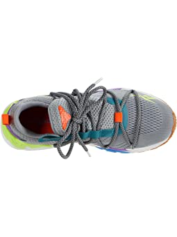 running shoes 6pm