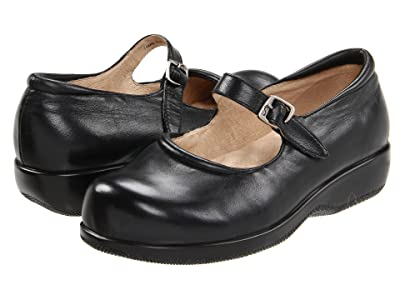 SoftWalk Jupiter (Black Soft Leather) Women
