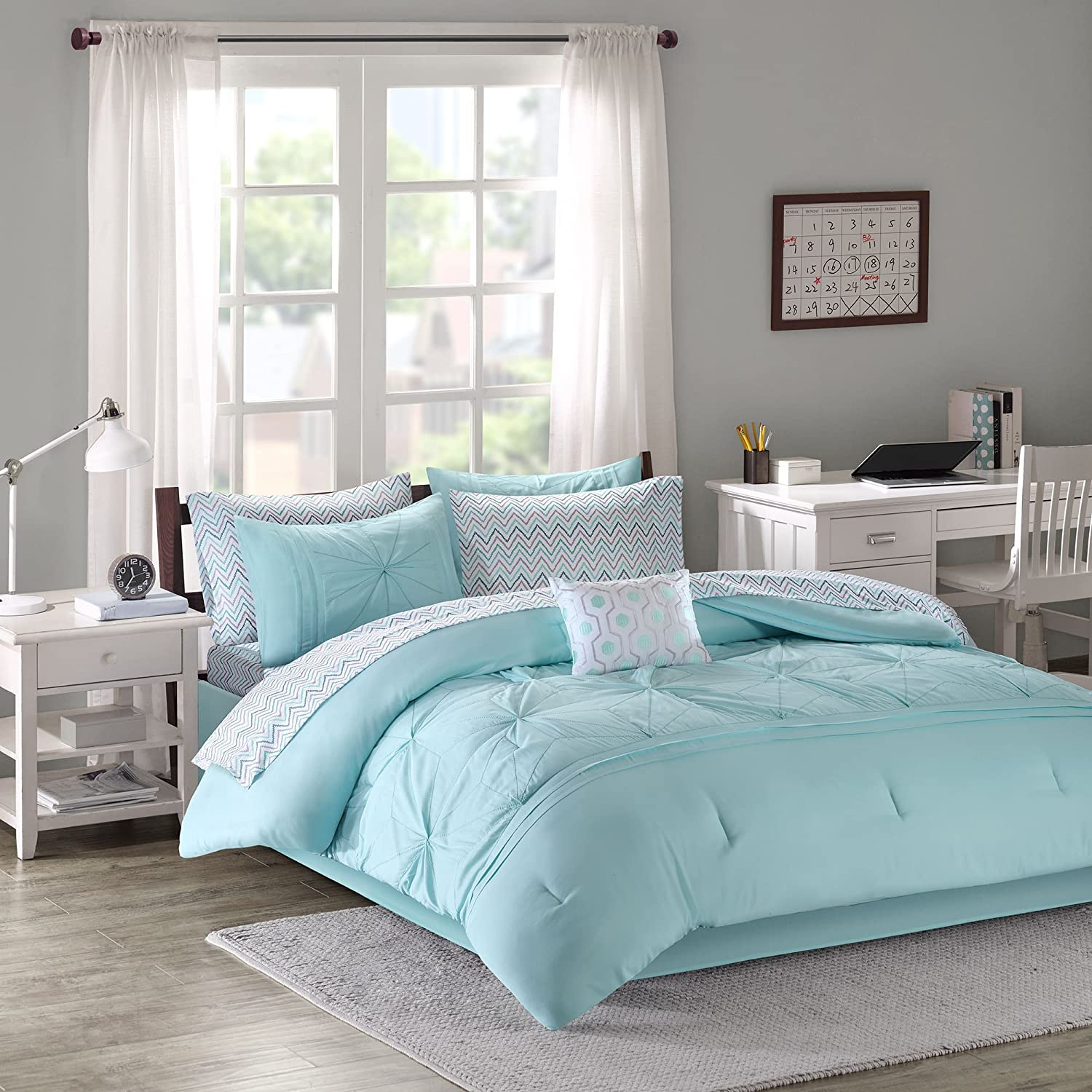 Amazon Com Comforter Sets For Teen Girls Twin Full Queen Kids Bedding Aqua Light Blue Gray Bed In A Bag Perfect For Home Bedrooms Or Dorm Rooms Bundle Includes Exclusive Sleep Mask From