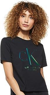 تي شيرت للسيدات مطبوع عليها حرف العلامة التجارية وملونة بالوان قزح بشكل طولي من كالفن كلاين