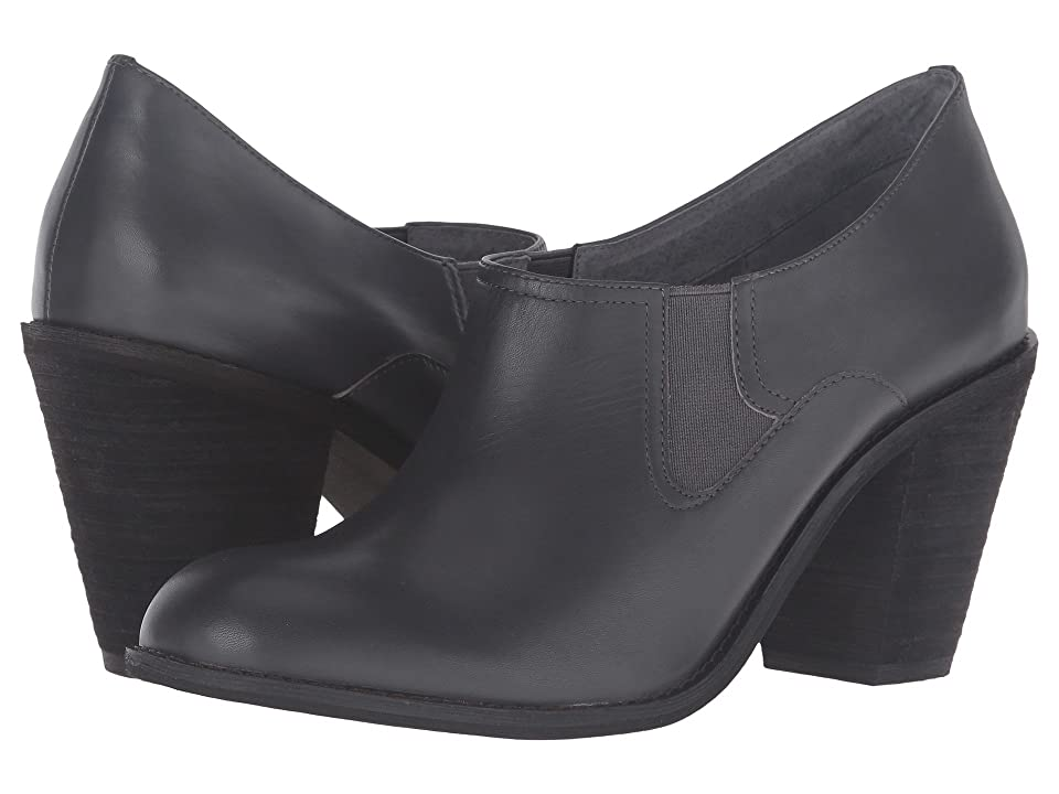 SoftWalk Fargo (Dark Grey Smooth Leather) High Heels