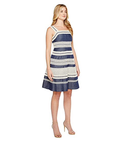 Chambray Adrianna Papell Fit Flare Trims with Contrast Dress Striped and Lace 75Hqwx5ZA