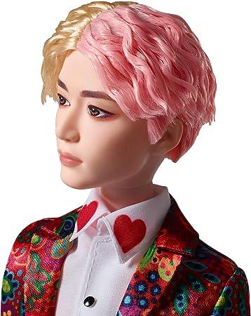 Mattel BTS - Muñeco V, figura de colección, miembro banda coreana de K-pop (GKC89)