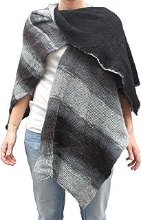 Mantella double face poncho aperto scialle fatto a maglia col. Nero con un lato stampato col. Grigio e Nero fatto in Itali...