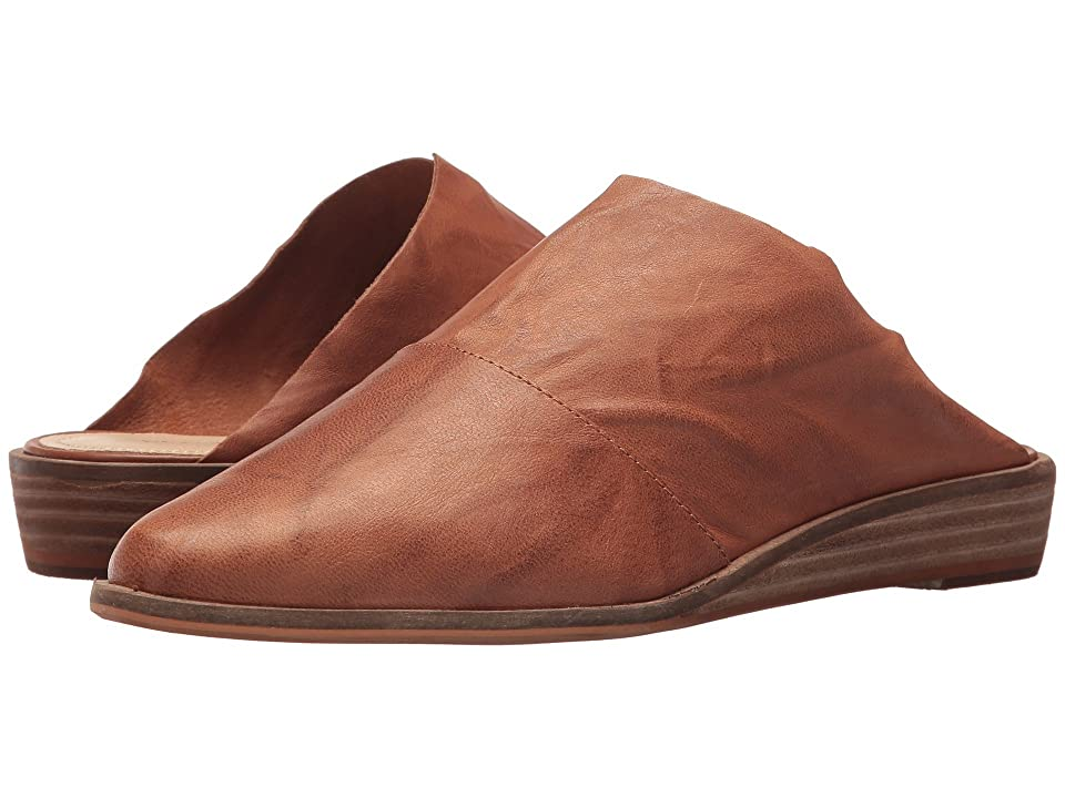 Kelsi Dagger Brooklyn Ashland Slide (Russet) Women