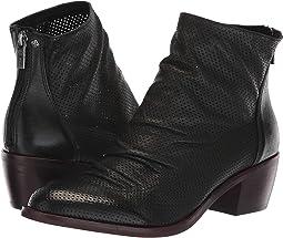 a4fb10ab58dd2b Women s Isola Shoes