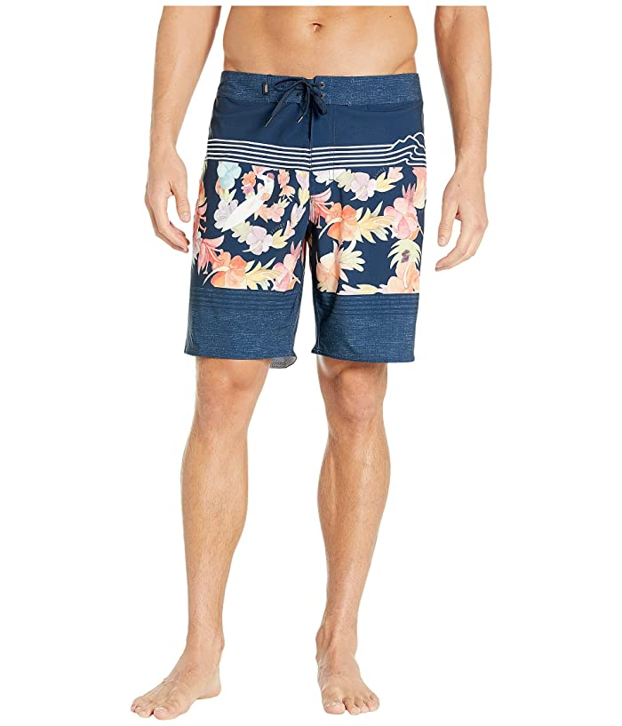 Vans  19 2019 VTCS Poster Boardshorts (Dress Blues) Mens Swimwear