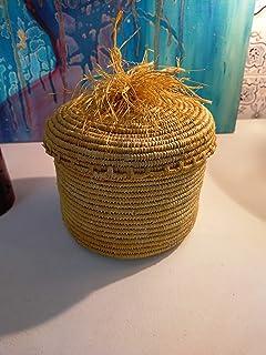 Scatola di rafia circolare gialla con coperchio allegato, cesto di stoccaggio marocchino, cesto intrecciato, bara di vimini