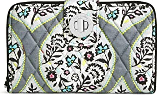 38bad14ef9 Amazon.com  Vera Bradley - Handbags   Wallets   Women  Clothing ...