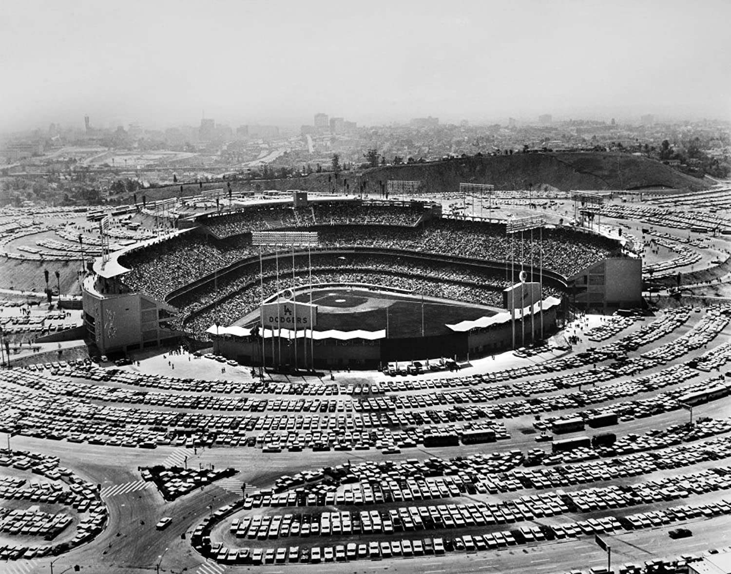 Los Angeles Stadium 1962 Nchavez Ravine The Dodgers Stadium In Los Angeles Calfornia 3 September 1962 An Audience Of More Than 54000 Watch The Dodgers Playing The San Francisco Giants Poster Print by