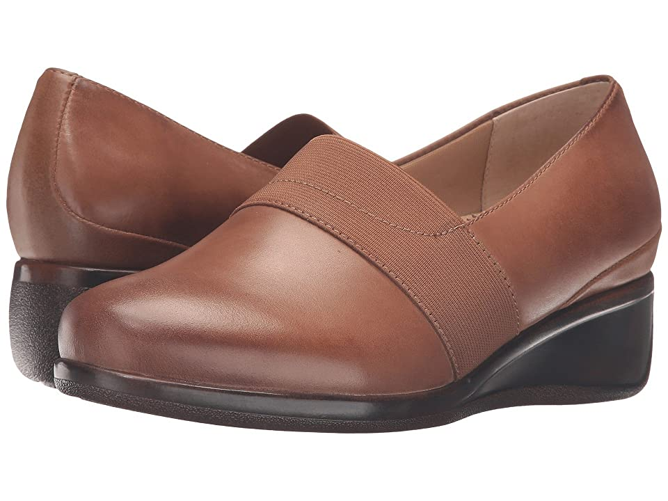 Trotters Marley (Cognac Tumbled Leather) Women's Slip on Shoes, Brown