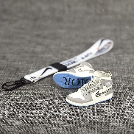 Ahliwei Schlüsselbund Turnschuhe Modell 1 Schlüsselbund Paar Tasche Ornamente Kreative Geschenke Handwerk 1 Paar 5 Cm 1 8 Cm 2 Cm 1 Auto