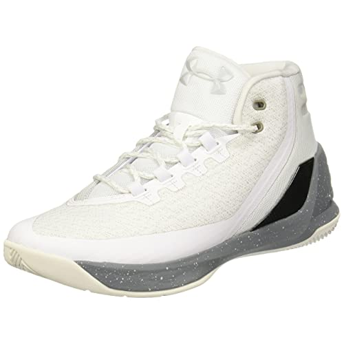 5bf82bc63495 Under Armour Men s Curry 3 Basketball Shoes
