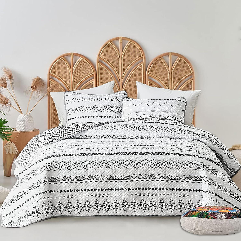 FlySheep 3-Piece Lightweight Bohemian Geometric King Quilt Set, Aztec White n Black Striped Summer Bedspread/Coverlet, Brushed Microfiber for All Season - 104