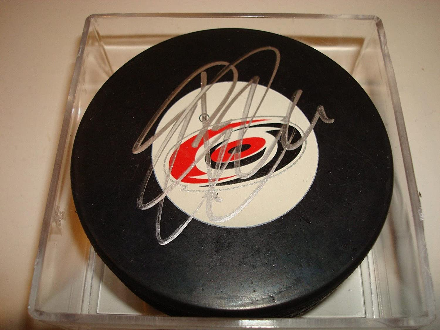 Erik Cole Signed Hockey Puck  Go      Autographed NHL Pucks