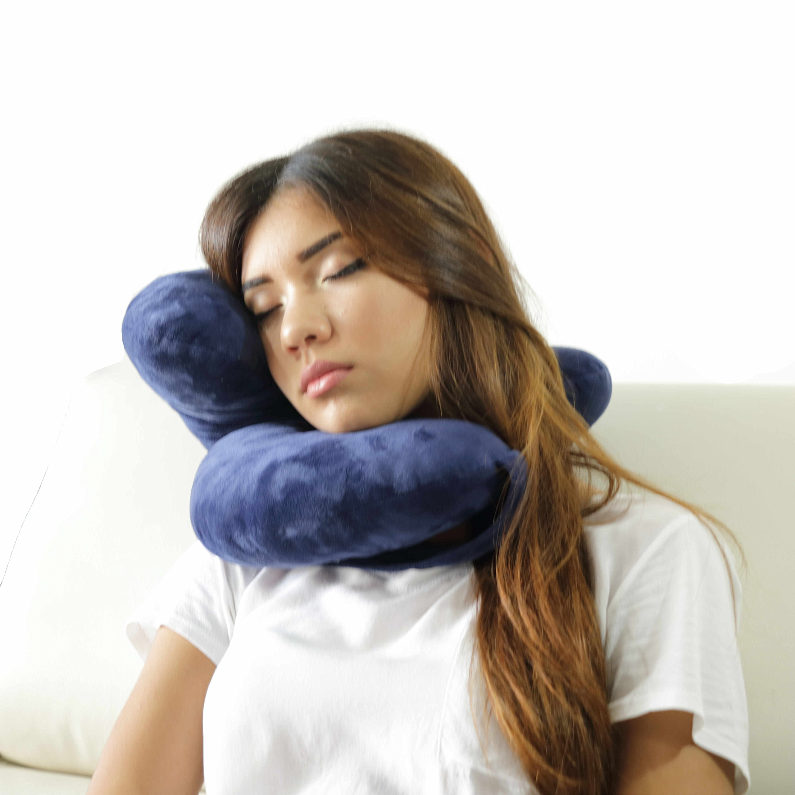 Daisy Travel Pillow Holds Head Like