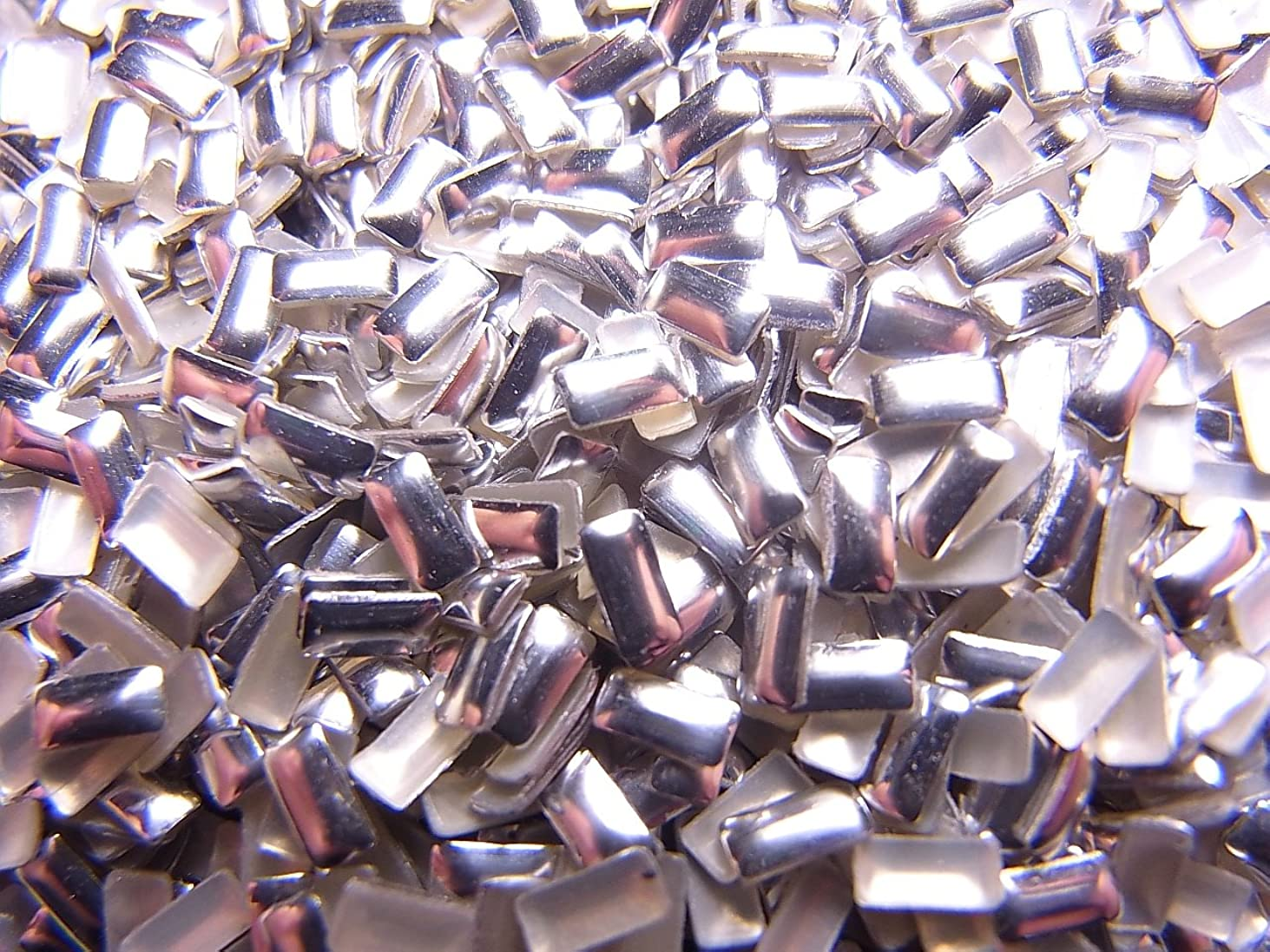 法廷平らにするタイヤ【jewel】メタルスタッズ 多種類 ゴールドorシルバー 各サイズ 選択可能 (長方形(レクタングル) 4mm, シルバー)