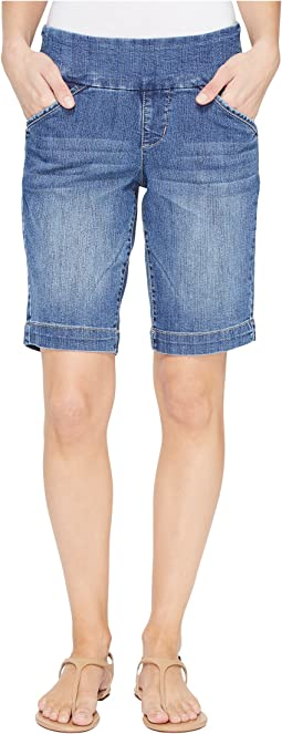 Ainsley Pull-On Bermuda Comfort Denim in Weathered Blue