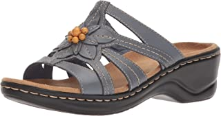 d5a317fbde46 Amazon.com  CLARKS - Sandals   Shoes  Clothing