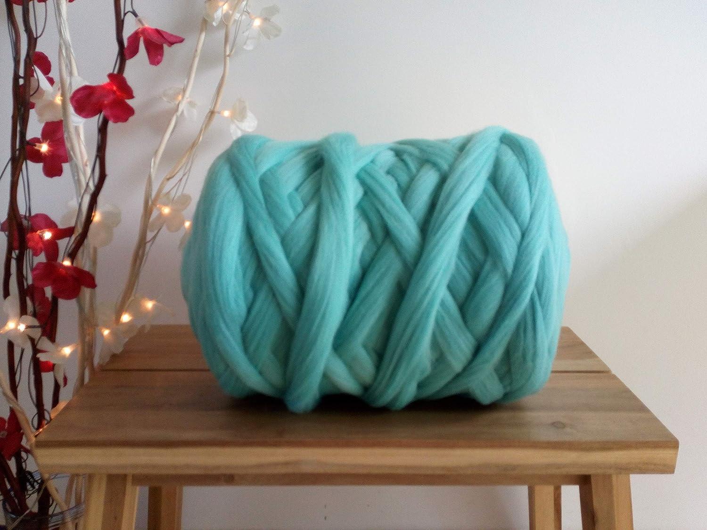 Light Turquoise 100% Merino Wool Giant Yarn Extreme Arm Knitting Felting Wool Tops Roving Bulky 50g  4kg (1 kg)