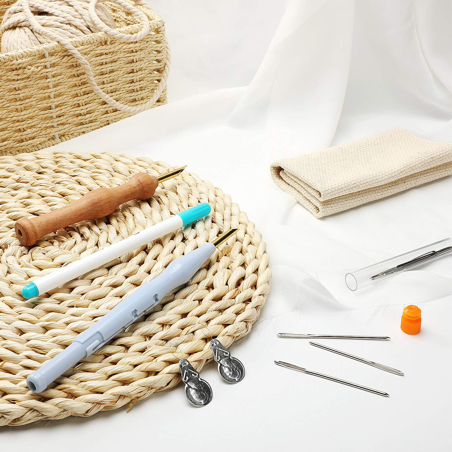 17 Pieces Punch Needle Embroidery Kits Adjustable Rug Yarn Punch Needle, Wooden Handle Embroidery Pen, Needle Threader, Punch Needle Cloth for Embroidery Floss Cross Stitching Beginners