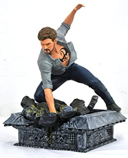 DIAMOND SELECT TOYS Marvel Gallery: Netflix Defenders Iron Fist PVC Figure