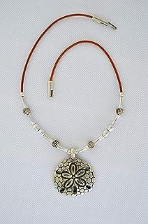 Gargantilla hecha a mano de cuero y colgante zamak plata, regalo para mujer