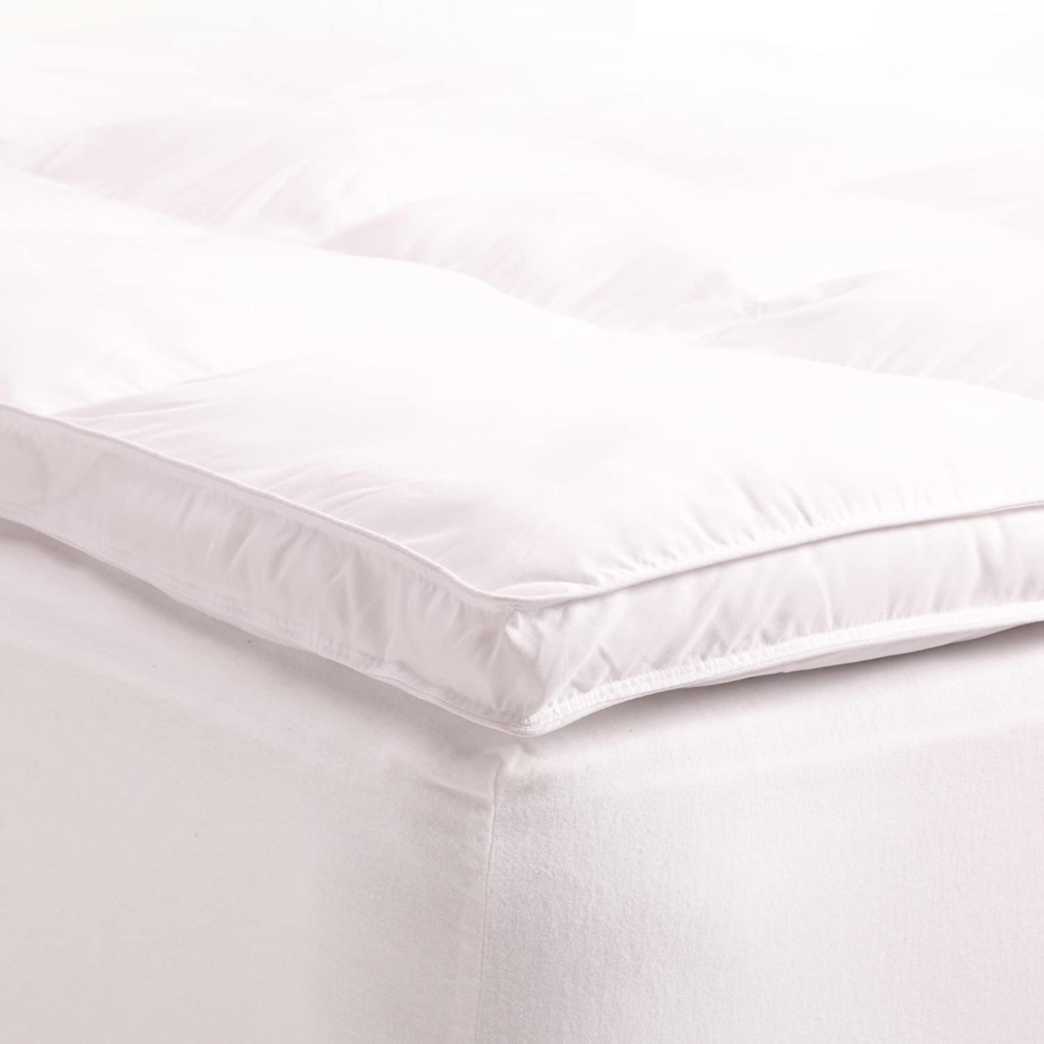 Superior King Mattress Topper, Hypoallergenic White Down Alternative Featherbed Mattress Pad - Plush, Overfilled, and 2  Thick