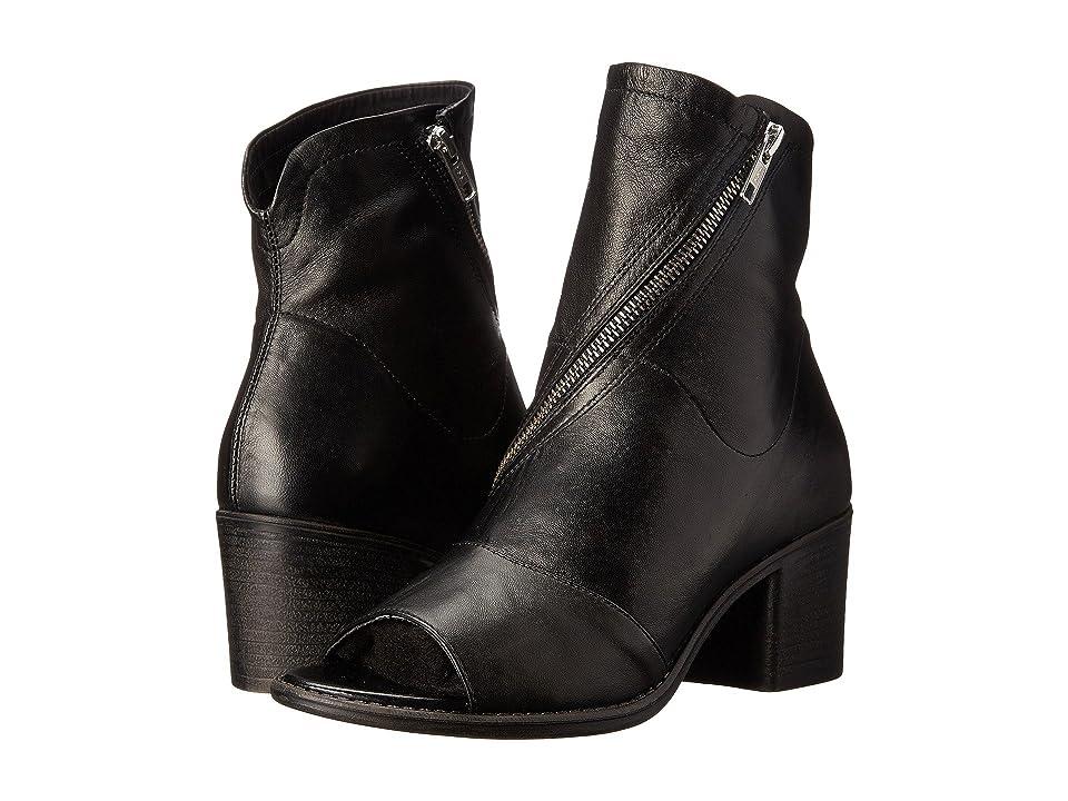 Summit by White Mountain Fantasia (Black Leather) High Heels