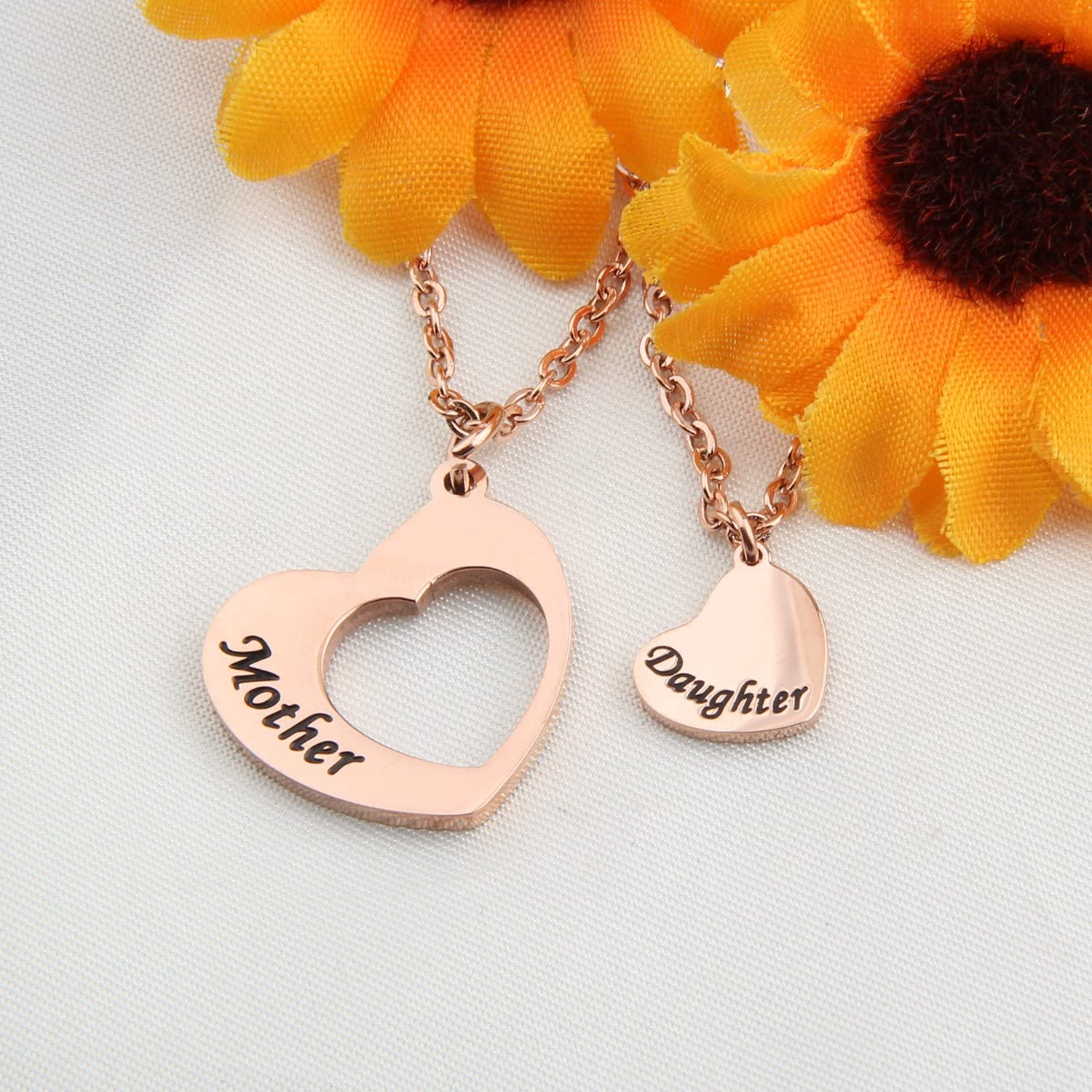 KUIYAI Mother Daughter Necklace Set of 2 Matching Heart Mom and Me Jewelry