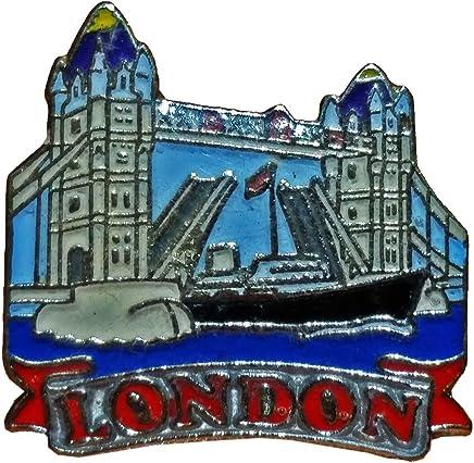 Charming British Tower Bridge / London Bridge Decorative Lapel Pin! Souvenir / Speicher / Memoria! A Detailed Collectable! Épinglette / Anstecknadel / Spilla / Perno de la Solapa!