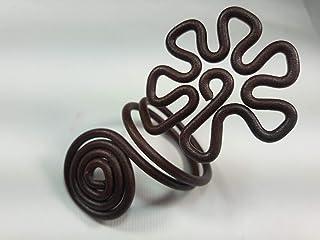 Ronds de serviette,brun antique, l'effet de la rouille.Modele Fleur