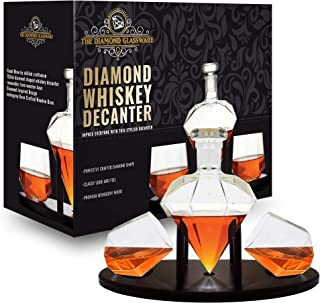 Whiskey Decanter Diamond shaped With 2 Diamond Glasses & Mahogany Wooden Holder – Elegant Handcrafted Crafted Glass Decanter For Liquor, Scotch, Rum, Bourbon, Vodka, Tequila – Great Gift Idea – 750ml