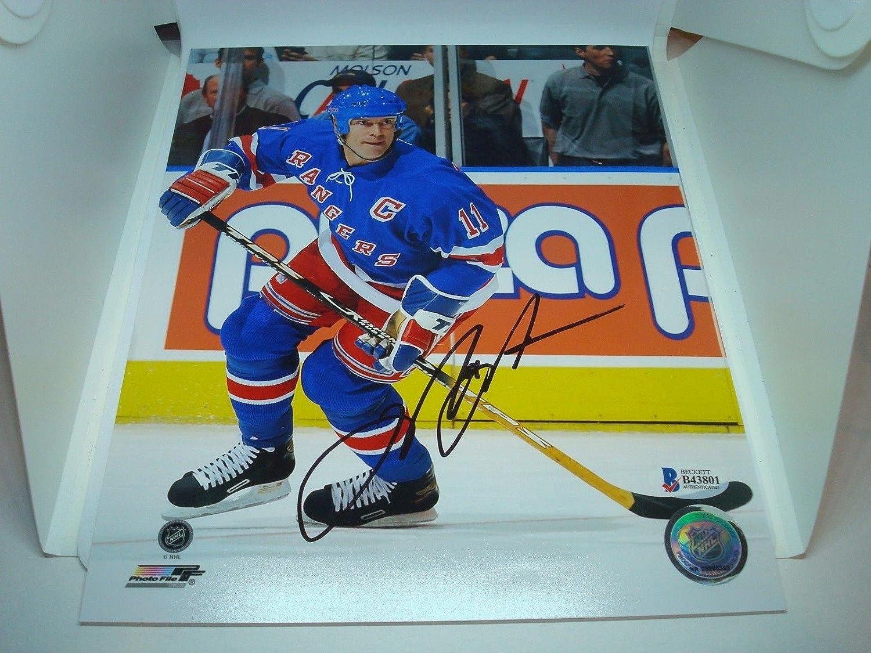 Autographed Messier Photograph  8x10 Beckett BAS COA 1A  Beckett Authentication  Autographed NHL Photos