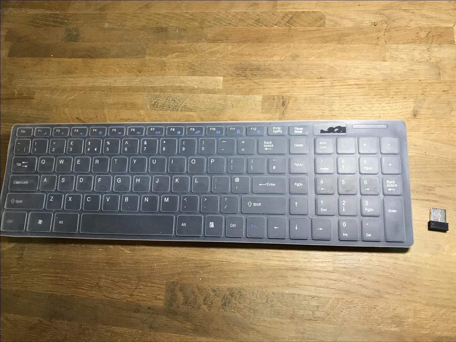 Teclado inalámbrico Blanco con Teclado numpad y ratón Toshiba 46TL968 46 Pulgadas LCD Smart TV: Amazon.es: Electrónica