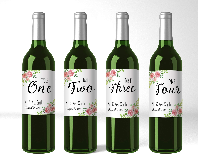 Parásito Vagabundo riesgo  Amazon.com: Etiquetas personalizadas para números de mesa de botellas de  vino con diseño floral rosa – Juego de cuatro pegatinas personalizadas para  mesa de botellas de vino (WBL105): Toys & Games