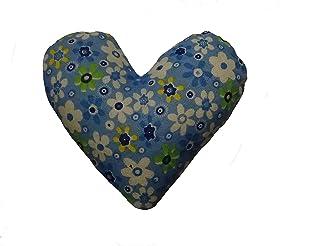 Corazón de tela de color azul, con flores para decorar, regalar o tener un bonito detalle. Silvys handmade