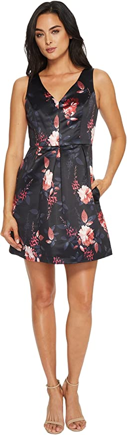 CeCe - Rose Sleeveless V-Neck Pleated Floral Dress