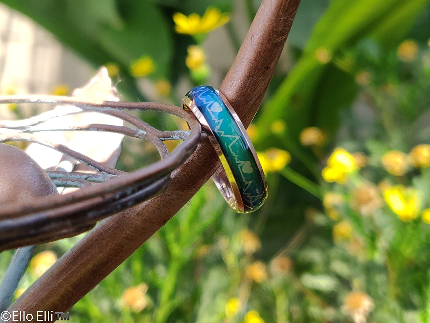Heartbeat Pattern w//Hearts Design Ello Elli 6MM Comfort Fit Stainless-Steel Color Changing Mood Ring