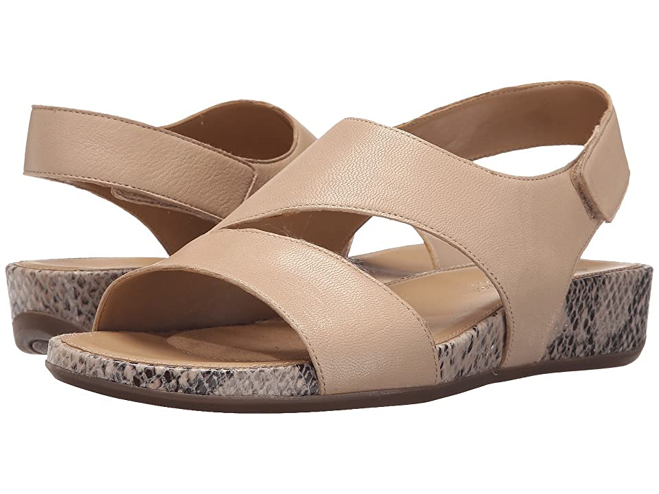 Naturalizer Yessica (Tender Taupe Leather) Women