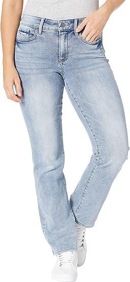 Petite Marilyn Straight Jeans in Seashore