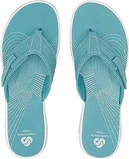 8c089b837a66 Amazon.com  CLARKS - Flip-Flops   Sandals  Clothing