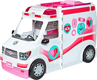 مجموعة لعب سيارة Barbie Care Clinic بطول أكثر من قدمَين مع مصابيح وصفّارات