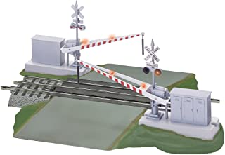 FasTrack Grade Crossing with Flashing Crossbucks and Gates