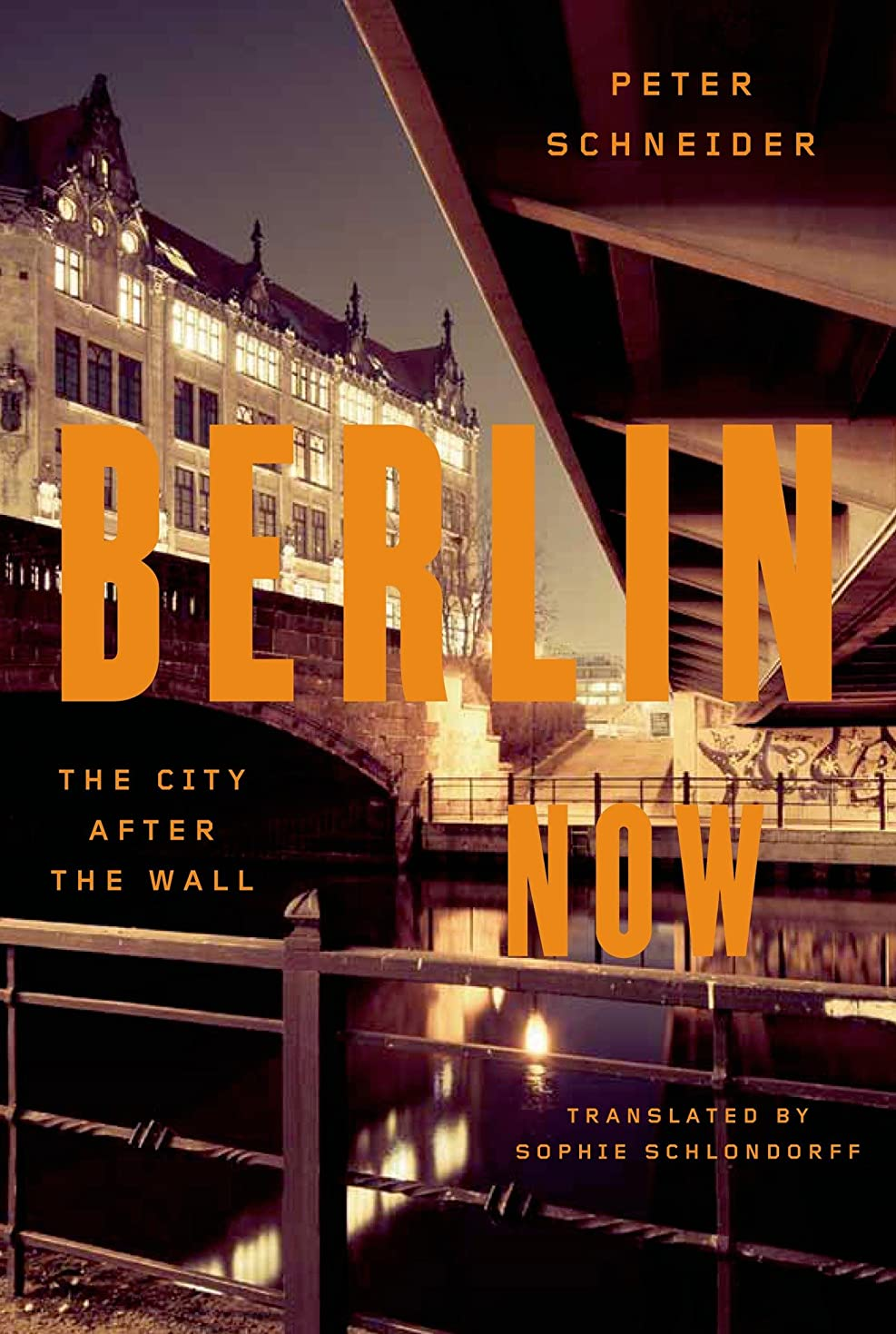 静かに刈るマリンBerlin Now: The City After the Wall (English Edition)