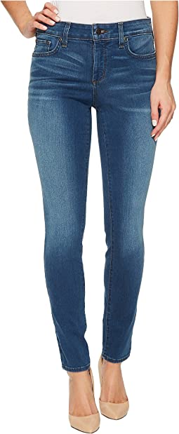 Ami Skinny Legging Jeans in Smart Embrace Denim in Noma